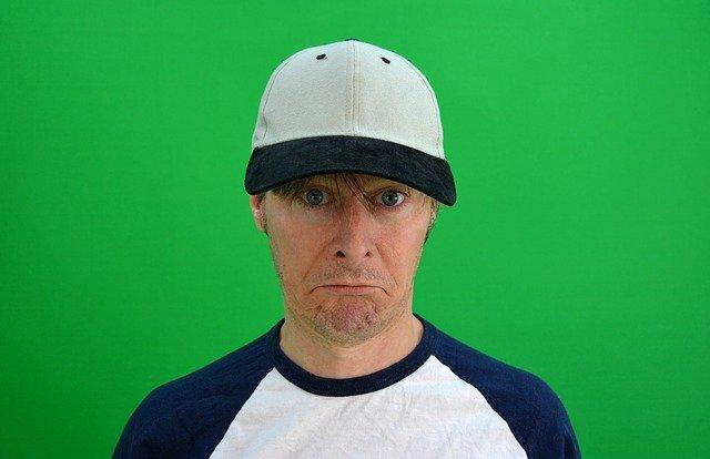 守屋功輝の出場停止や退団の可能性は?DV起こしたプロ野球選手の処分事例!