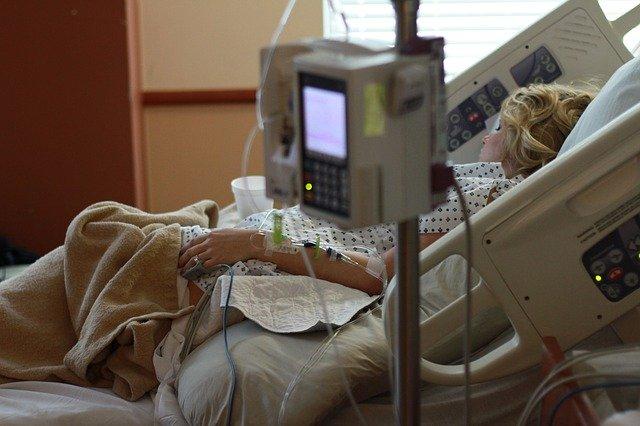 片岡篤史がコロナウイルス罹患!感染経路や原因!家族や関係者へ影響は?