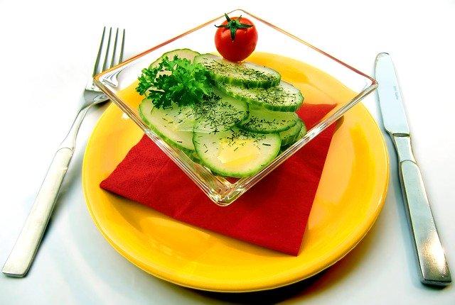 小林圭のスペシャリテ料理やサラダが凄い!出身高校はどこ?ikkoとの関係は?