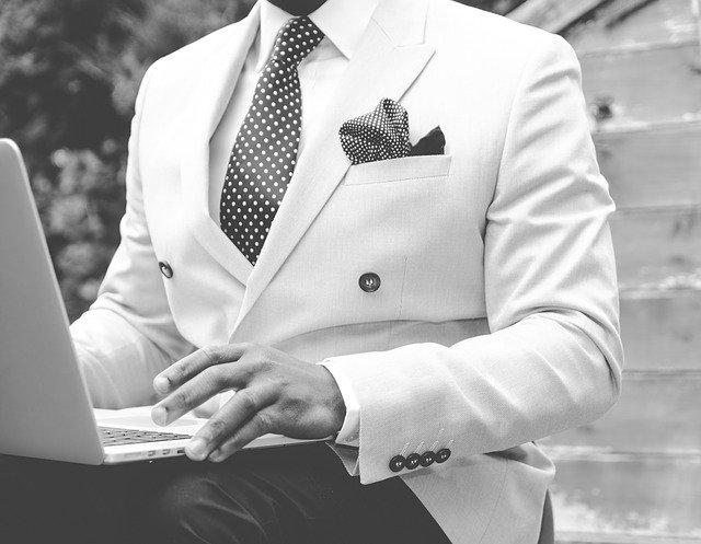 ガダルカナル・タカは若い頃イケメン!ネクタイがお洒落!実家や子供は?