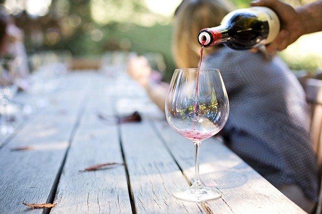 斎藤まゆ( キスヴィンワイナリー醸造責任者)のプロフや経歴!ワインの購入方法!