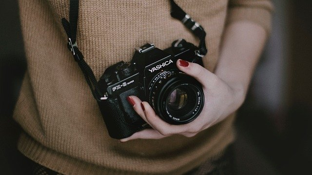 梅佳代の現在使用してるカメラやレンズを調査!病気の噂について!夫はいる?